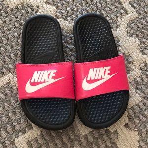 Nike girl sandals
